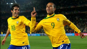 Brazil is favored to beat South American rival Chile in the first game of the Round of 16 Saturday in Belo Horizonte.