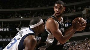 The San Antonio Spurs look to avoid a 3-1 series hole against the Dallas Mavericks Monday night.