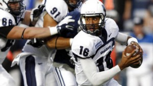 Utah State QB Chuckie Keeton may sit in the pocket more in 2014 due to last year's season-ending injury
