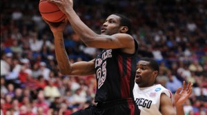Temple is a 1 point favorite against Miami in the NIT semifinals.