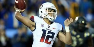 Arizona and New Mexico kick off the 2015 bowl season in the New Mexico Bowl.