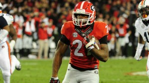 Nick Chubb is out with a broken foot that was surgically repaired, but the Bulldogs are still half-point favorites over North Carolina in Week 1 College football action.